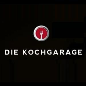 This is the logo of a Dr. Sours Mexican Cocktail Bitters and Mezcal Friend: Die Kochgarage